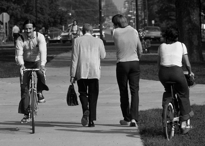 1970s students on bikes